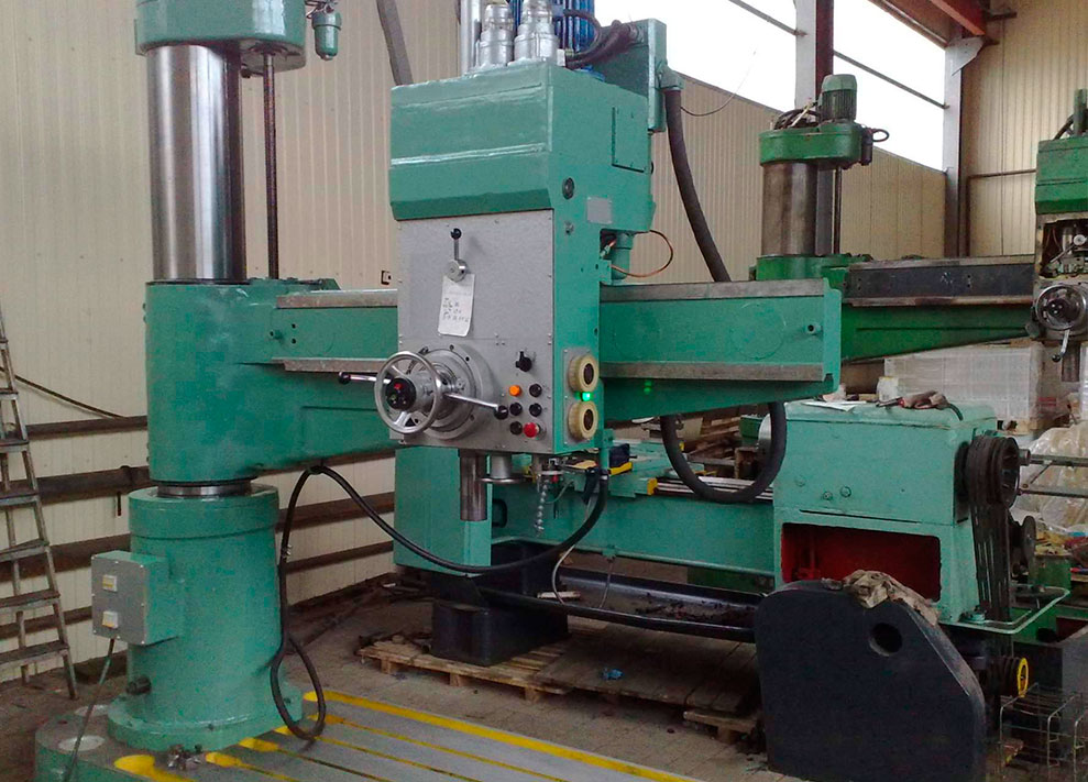 Radial drilling and drilling machines