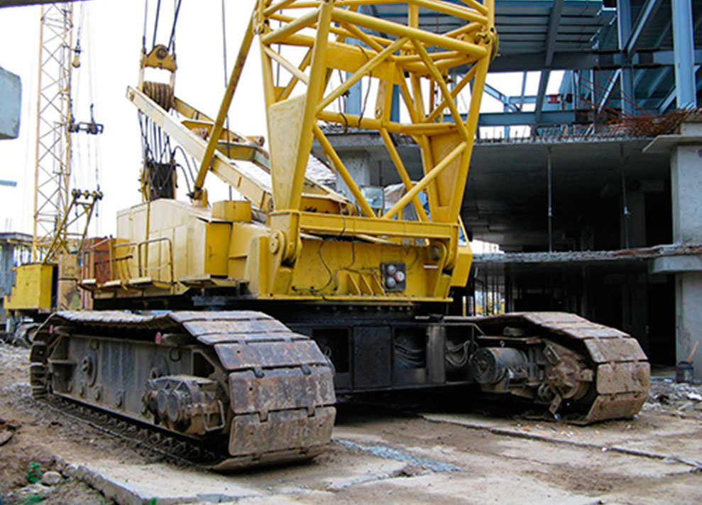 Caterpillar cranes (up to 100 tons)